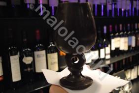"""Un verre à boire et à croquer, réservé """"aux cahors haut de gamme""""                 (Johan GESREL.)"""