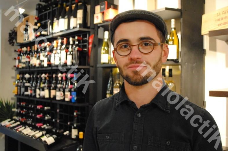 """Simon Delpérié, concepteur des """"Bouchons Picrates"""" à Montauban (Crédit : Johan GESREL.)"""